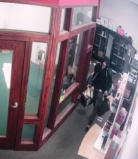 APD Looking for T-Mobile Store Thief